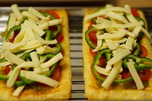 油揚げのピザ 調理